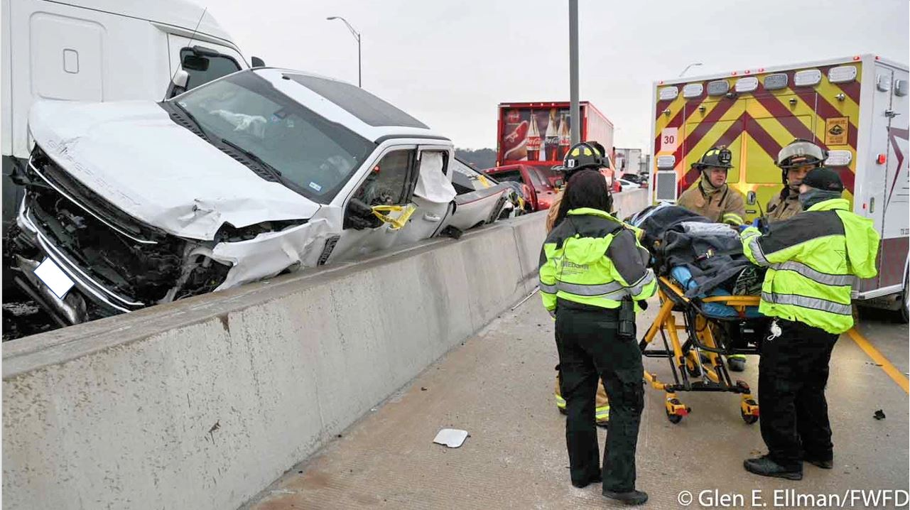 CBS DFW Reports on MedStar's Response on the 6 Month Anniversary of the I-35 Crash